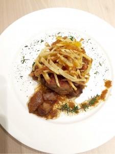 Muşchiuleţ de porc cu hribi şi muşuroi de cartofi prăjiţi RETETE DE SANATATE (1)