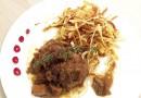 Deliciul serii: Muşchiuleţ de porc cu hribi şi muşuroi de cartofi prăjiţi