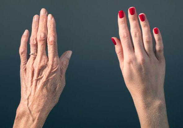 Vrei mâini întinerite Uite rețeta mâinilor ca la 20 de ani!