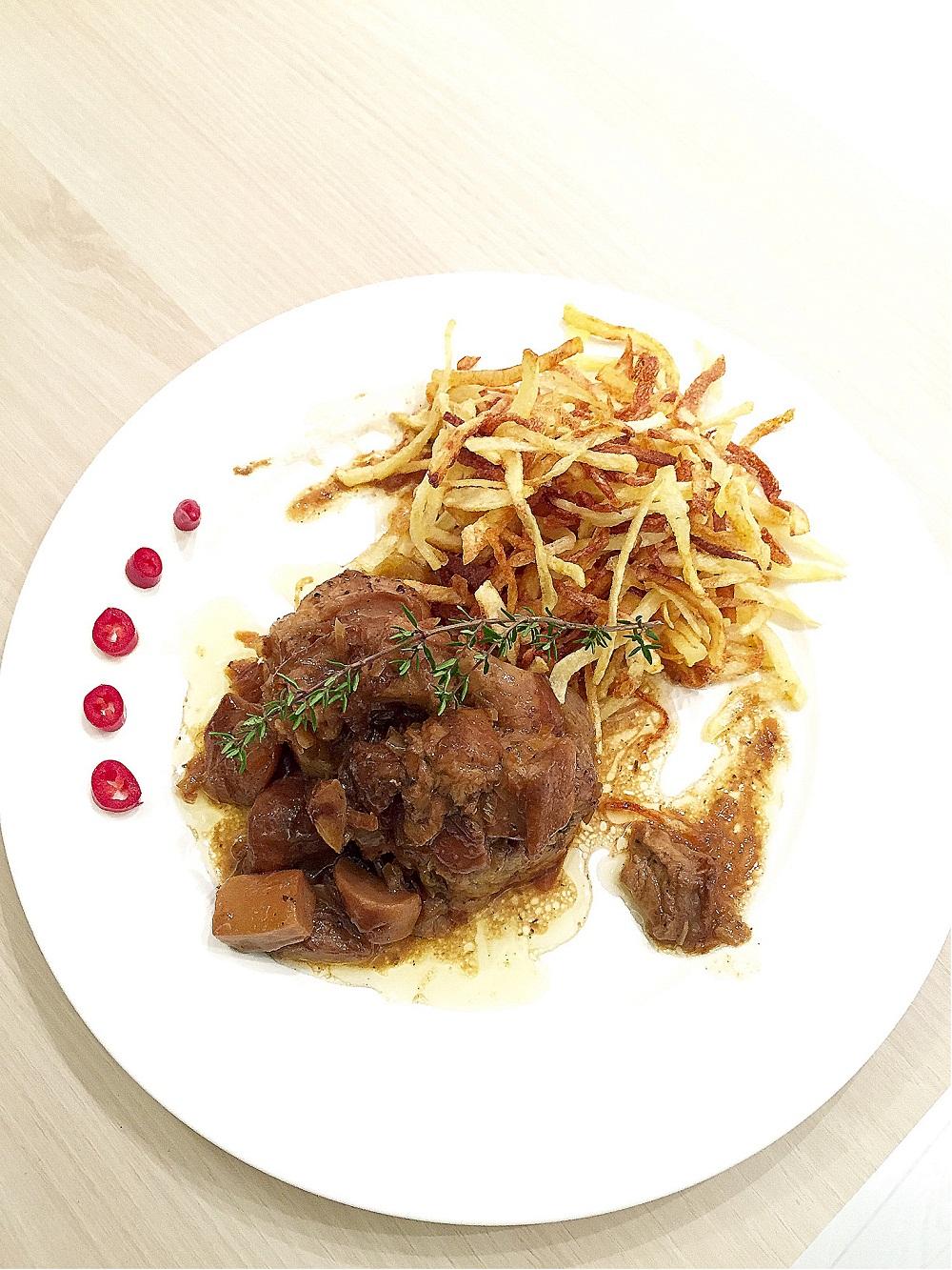 Muşchiuleţ de porc cu hribi şi muşuroi de cartofi prăjiţi RETETE DE SANATATE (3)