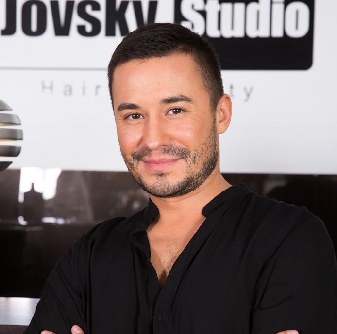 Adrian Perjovschi – coafuri (1)